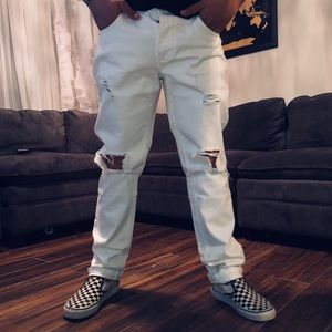 NWOT white distressed jeans